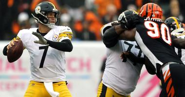 Pittsburgh Steelers quarterback Ben Roethlisberger throws against the Cincinnati Bengals