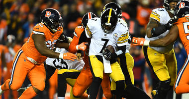 Ben Roethlisberger sacked by Broncos