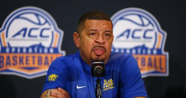Pittsburgh Panthers head coach Jeff Capel
