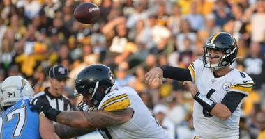 Pittsburgh Steelers quarterback Devlin Hodges (6) passes during the first quarter against the Los Angeles Chargers at Dignity Health Sports Park.