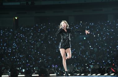 Taylor Swift in St. Louis Tonight Approved Bag List