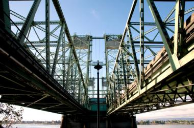 Interstate Bridge | 92 3 KGON
