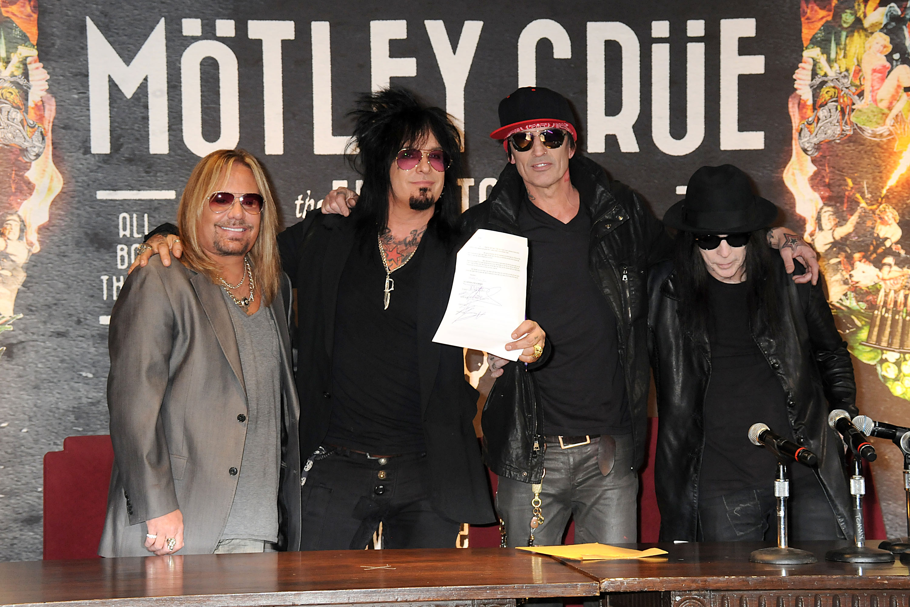 Video] Motley Crue movie 'The Dirt' premieres March 22nd on