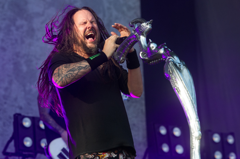 Jonathan Davis of Korn performing live on stage on day 3 of Leeds Festival