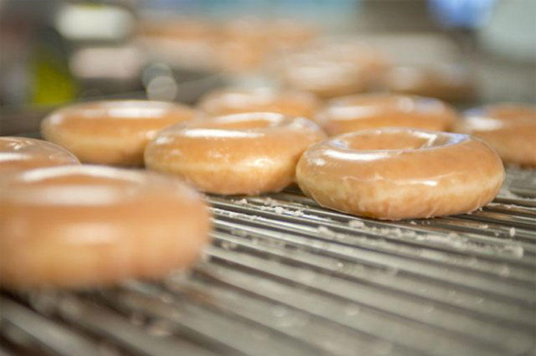 Krispy Kreme Dunkin And Walmart Giving Out Free Donuts For Fridays National Donut Day