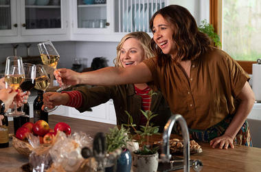 Amy Poehler and Maya Rudolph in 'Wine Country' (Photo credit: Netflix)