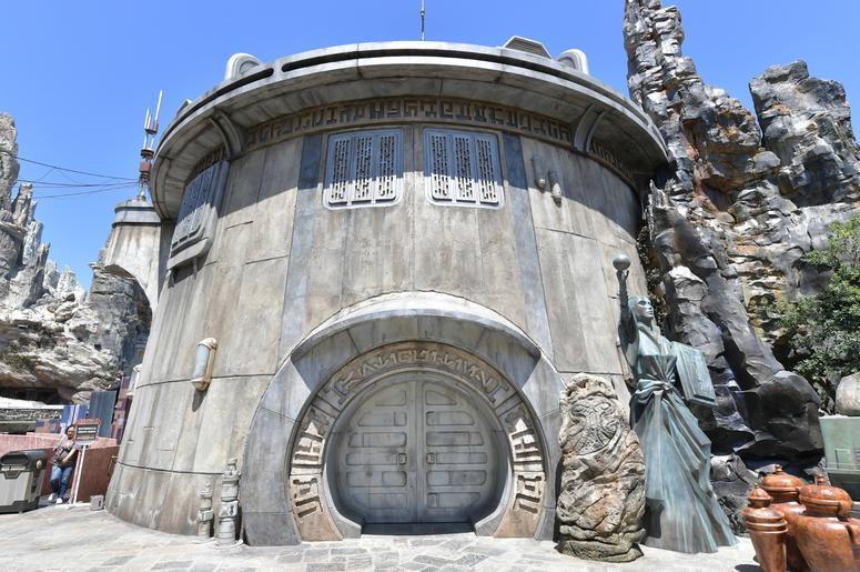 Star Wars: Galaxy's Edge At The Disneyland Resort