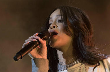 100.3 Jack FM,Rihanna,Called Out,Snapchat,Instagram,Offensive,Ad,Chris Brown,Slap,Punch,Domestic Violence,Abuse,National Network to End Domestic Violence,Performing,Onstage,Singing,Rap,White River State Park
