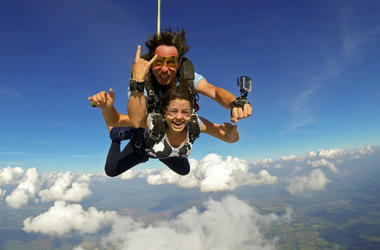 100.3 Jack FM,Skydiving,Proposal,Engaged,Video,Viral,Marriage,Extreme,Couple,Fiance