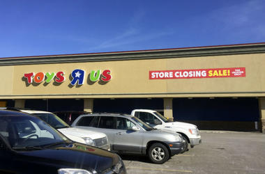 """Toys """"R"""" Us Store Closing"""
