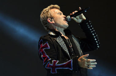 Billy Idol, Concert, Singing, Microphone