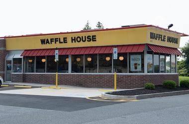 Waffle House, Exterior