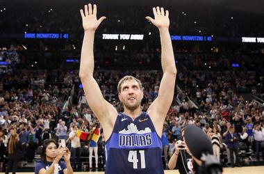 Dirk Nowitzki, Final Game, San Antonio, Waving To Crowd