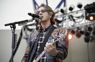 Rick Springfield, Concert, Singing, Guitar