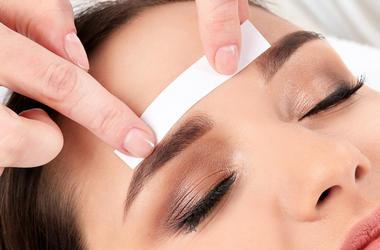Woman, Eyebrows, Waxing, Salon