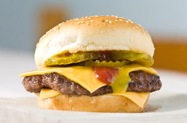 Cheeseburger, Ketchup, Pickles