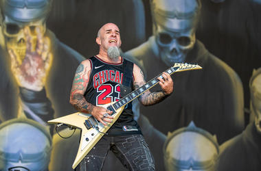 Scott Ian of Anthrax performing