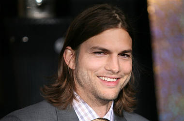 Ashton Kutcher, New Year's Eve, Premiere, Long Hair, Smile, 2011