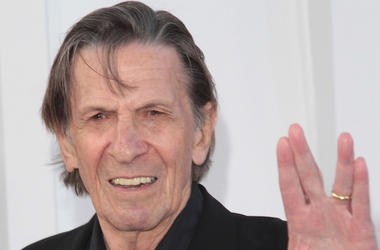 Leonard Nimoy, Spock, Red Carpet, Star Trek Into Darkness, Premiere, 2013, Vulcan Hand Sign