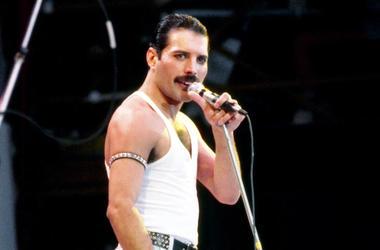Freddie Mercury, Queen