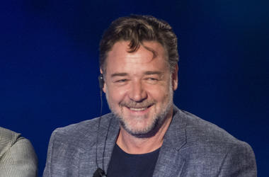 Russell Crowe, Smile, Suit