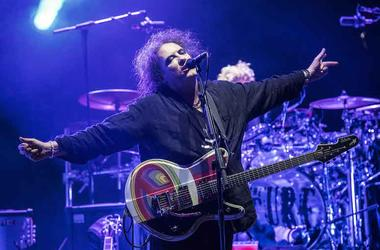 Robert Smith, Guitar, Singing, The Cure, Concert,