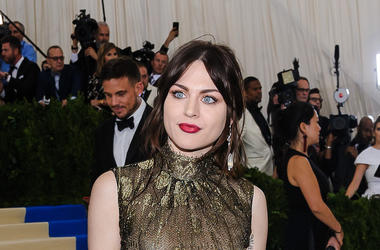 Frances Bean Cobain, Smile, Red Carpet