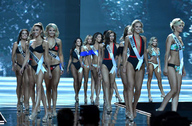 Miss USA, Miss America, Beauty Pageant, Swimsuit Competition