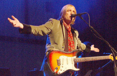 Tom Petty, Posing, Guitar, Arms Raised