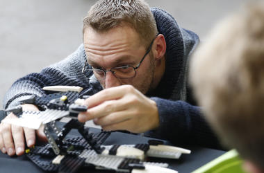 Man, Playing, Legos, Son, Watching, 2017