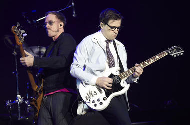 Rivers Cuomo, Scott Shriner, Weezer, Concert, 2017