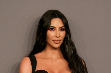 Kim Kardashian, Red Carpet, Black Dress, Aids Benefit, 2019