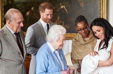 Queen Elizabeth, Prince Charle, Prince Harry, Meghan Markle, Doria Ragland, Archie, Royal Baby