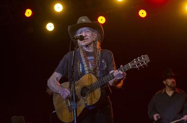 Willie Nelson & Paul McCartney Play Private Parties
