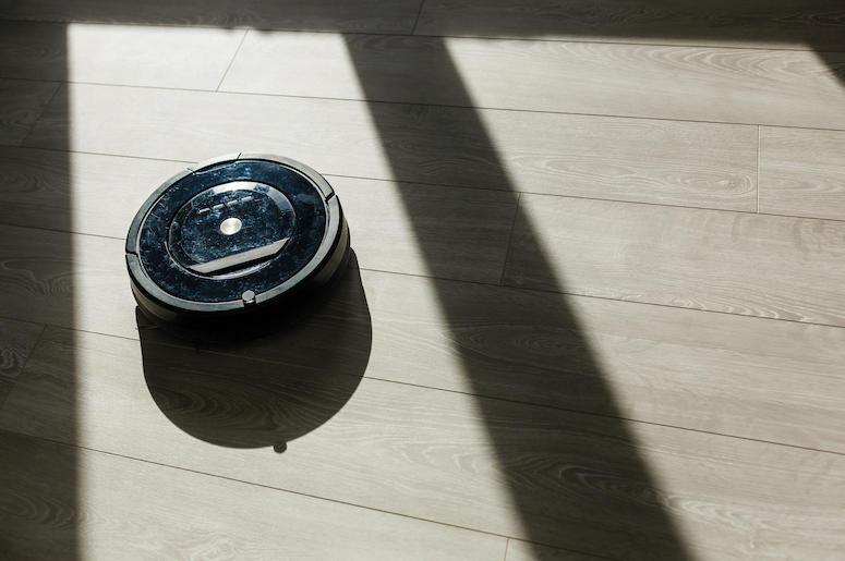 Robot, Roomba, Vacuum Cleaner, Laminate Wood Floor