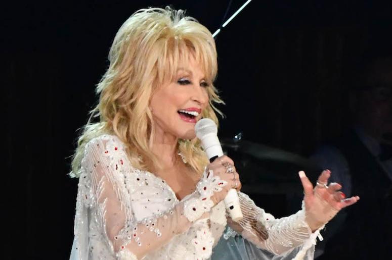 Dolly Parton, Grammy Awards, 2019, Singing, Performance, White Dress