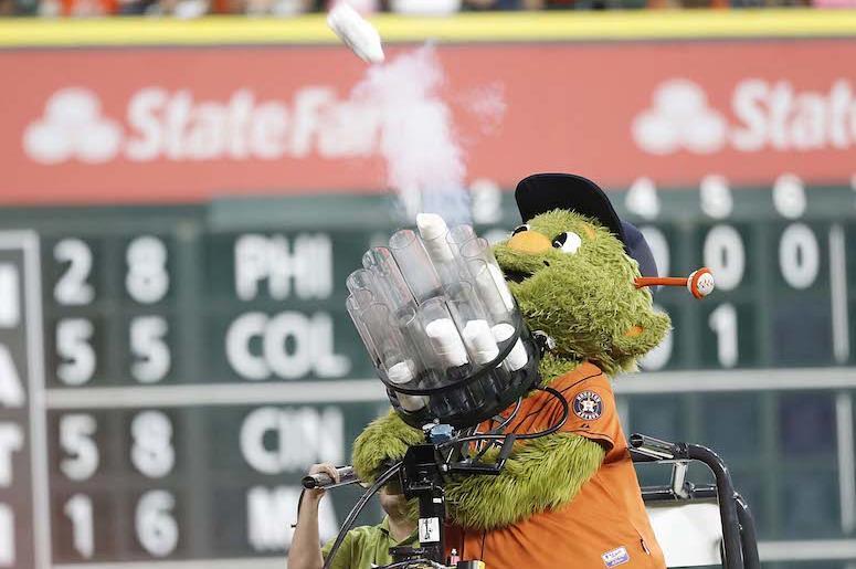 Houston Astros, Orbit, T-Shirt Cannon, Shooting