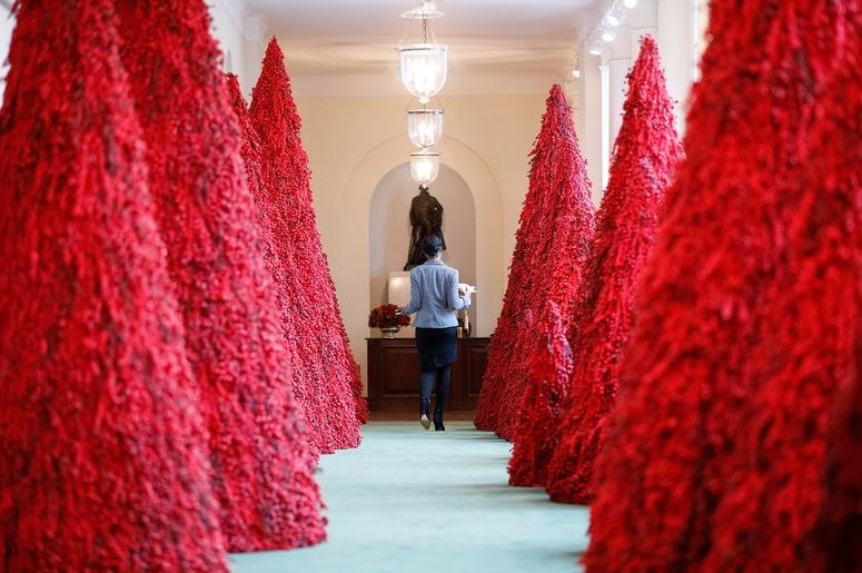 Melania Christmas Decorations.First Lady Melania Trump Unveils The White House Christmas