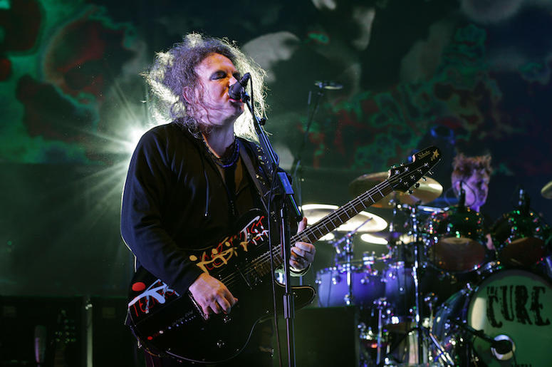 Robert Smith, The Cure, Concert, Singing, Guitar, 2014