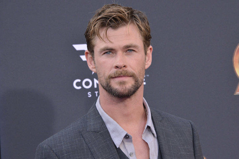 Chris Hemsworth, Suit, Red Carpet, Beard