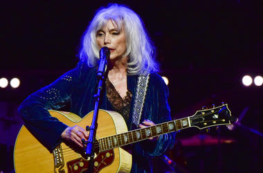 LOS ANGELES, CALIFORNIA - NOVEMBER 07: Emmylou Harris performs onstage at JONI 75: A Birthday Celebration Live at Dorothy Chandler Pavilion on November 07, 2018 in Los Angeles, California. (Photo by Rodin Eckenroth/Getty Images)