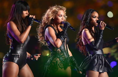 NEW ORLEANS, LA - FEBRUARY 03: Kelly Rowland, Beyonce Knowles and Michelle Williams of Destiny's Child perform during the Pepsi Super Bowl XLVII Halftime Show at Mercedes-Benz Superdome on February 3, 2013 in New Orleans, Louisiana. (Photo by Christopher