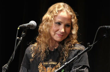 NEW YORK, NY - FEBRUARY 26: Singer Joan Osborne performs during the All For the Hall New York concert benefiting the Country Music Hall of Fame at Best Buy Theater on February 26, 2013 in New York City. (Photo by Michael Loccisano/Getty Images)