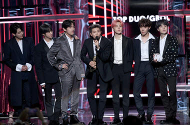 Jimin, Jungkook, J-Hope, Suga, Jin, RM, and V of BTS accept the Top Duo/Group award onstage during the 2019 Billboard Music Awards at MGM Grand Garden Arena on May 01, 2019 in Las Vegas, Nevada
