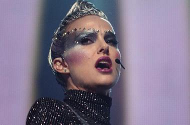 Natalie Portman in 'Vox Lux' (Photo credit: Neon)