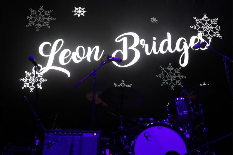 Leon Bridges at Alice In Winterland 2018