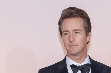 Best Supporting Actor Nominee Ed Norton arrives at the 87th Annual Academy Awards