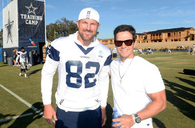 Cowboys veteran Jason Witten poses with Mark Wahlberg at Training Camp