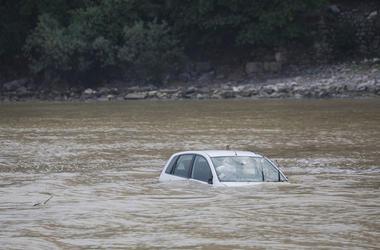Damaged Car, Car, Floating, Underwater, Flood,