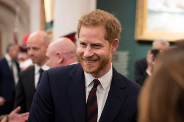 LONDON, ENGLAND - APRIL 04: Prince Harry, Duke of Sussex meeting guests from a wide cross - section of City professionals and business leaders at The Guildhall on April 04, 2019 in London, England. The Duke of Sussex attended the twelfth annual Lord Mayor